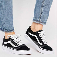 Vans Classics Old Skool Black Sneaker low tops black white line