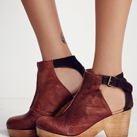 Free People Amber Orchard Clog in Chocolate