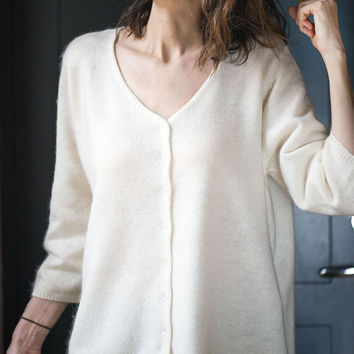 c9496e7aec3a8d Oversized women s Cardigan Vintage. White Sweater for lady winter. Granny  Cardigan Sweater Size L