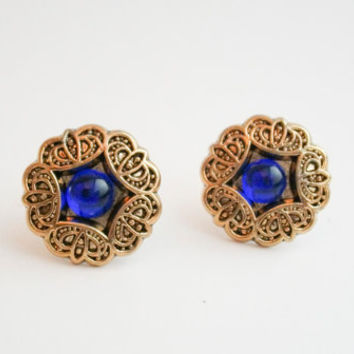 Vintage gold flower earrings, gold flower earrings, Vintage button earrings, Bridesmaid earrings, gold plated studs, Spring Wedding
