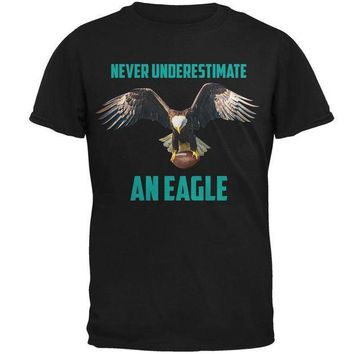 PEAPGQ9 Never Underestimate An Eagle Flying Football Mens T Shirt