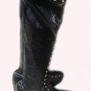 Black GO GO 60s BOOTS with Gold Rivets. 7 1/2N
