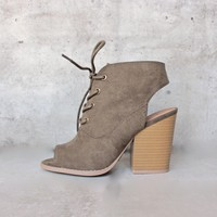 adventure lace-up peep toes suede bootie - khaki