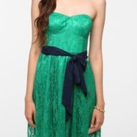 Thistlepearl Fine Lace Strapless Dress