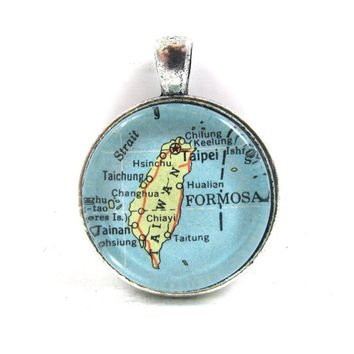 Vintage Map Pendant of Taiwan in Glass Tile Circle