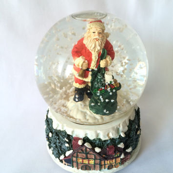 Musical Snow Globe, Santa With toybag, Vintage Holiday, Wind up globe, Vintage Santa, Holiday Decor, Christmas music box, Original Packaging