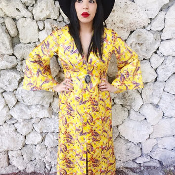 Vintage 70s Yellow Mollie Parnis Boutique Paisley Psychedelic Bell Sleeves Empire Waist Satiny Polyester Kimono Style Maxi Dress M