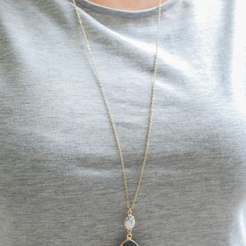 ON THE TOWN NECKLACE