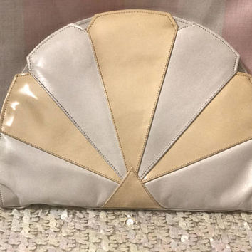 Adorable VTG 1980s Color Block Seashell Cross body / Clutch! Kawaii Pastel Peach White Striped Scalloped Edge Mermaid Purse, Genuine Leather