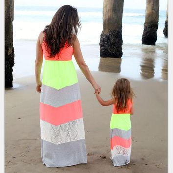 ONETOW 2017 Summer Family Matching Outfits Fashion Striped Mother Daughter Dresses Mommy And Me Ankle-Length  Family Casual Clothing