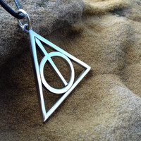 Deathly hallows necklace, Harry potter jewelry, Fandom Necklace, Potter fan, Cosplay, gift idea, triangle symbol, hogwarts jewelry