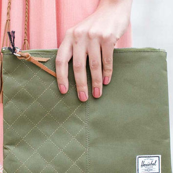 Large Network Pouch {Army Green}