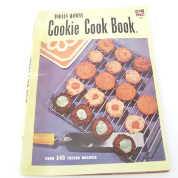Vintage Cookie Recipe Booklet, 1950s Cookie Cookbook, Vintage Cookbook, Pamphlets, 1950s Recipes