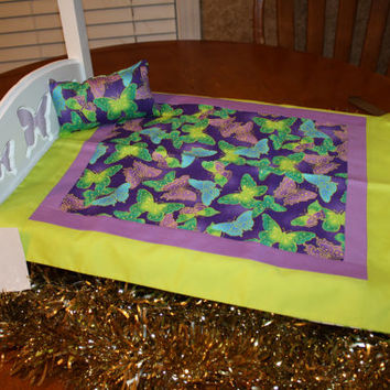 """American Girl sized,reversible doll bed quilt 16.5"""" x 19.5"""" with matching pillow 3.5"""" x 6"""""""