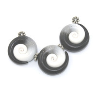 Ombre elegant beads, color gradient spiral beads, polymer Clay beads in black, gray and white, set of 3