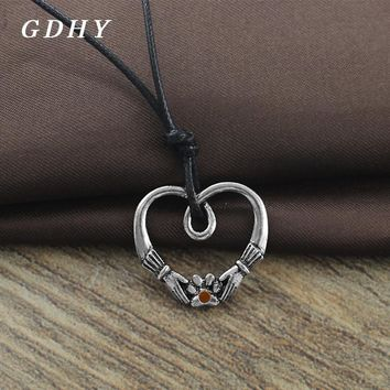GDHY  Love Heart Pendant Necklace Hand Embrace Pet Paw Of Dog Cat Pendant Necklace Jewelry Pet Owner Best Valentine's Day Gift