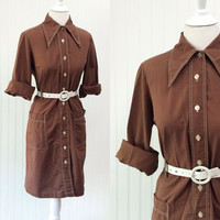 Doreen dress // 1960s Mod cocoa brown button front shirt style sheath midi // pockets pointed collar // size L