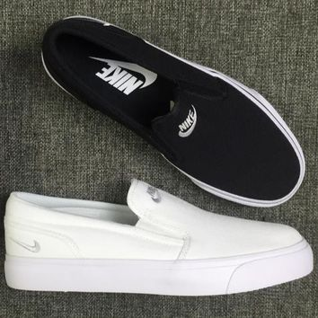 shosouvenir Nike White/Black Classic Canvas Leisure Shoes