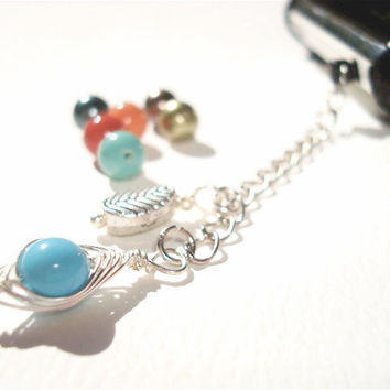 Sweet Pea Phone charm - iphone 5 - dust plug - Swarovski Pearls - pea in a pod - Best Friend - BFF charm