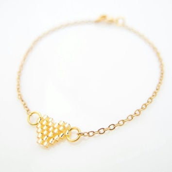Gold Heart Bracelet with gold chain #jewelrytrends