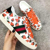 Free shipping-GUCCI new strawberry print women's flat bottom shoes