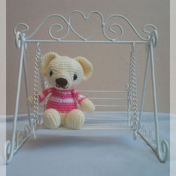 Amigurumi sweet bear S size with swinging chair.