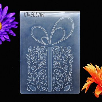 Leaves Gift Box Plastic Embossing Folder For Scrapbook DIY Album Card Tool Plastic Template Embossing Tool 10.6x14.5cm KW7012404