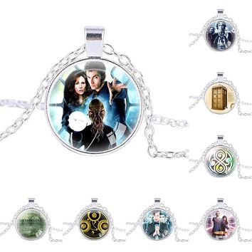Doctor Who jewelry TIme Lord necklace Gallifreyan necklace Symbol dr who pendant Tardis time lord time lord companion