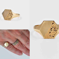 Vintage 9CT Yellow Gold Signet Ring, Birmingham, Dated 1978, Chased, Scroll, Blank, Hexagonal, Beveled, Size 6 1/4, Nice! #b926
