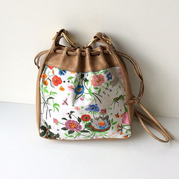 Rare Gucci Floral Drawstring Bag
