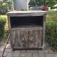 Solid wood side table / tv stand | other tables | Mississauga / Peel Region | Kijiji Mobile