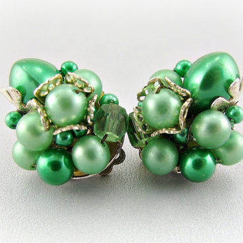 Vintage JAPAN Bead Cluster Earrings (Green Pearl Earrings, Clip-on Earrings, 1950s 1960s Antique Costume Jewelry, St Patricks Day Gift)