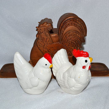Rooster Napkin Holder & 2 Chicken Salt Pepper Shakers - Rustic Press Wood and Pottery - Farmhouse Kitchen