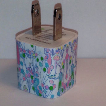 Lilly Pulitzer Inspired Resort White Pop USB Iphone Wall Charger