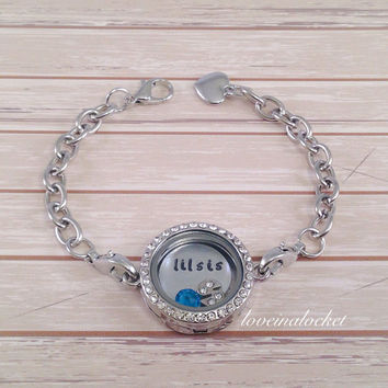 Little Sister Bracelet, Lil Sis Locket, Hand Stamped Bracelet, Floating Locket Bracelet, Little Sis Bracelet, Sister Christmas Gift, Sisters