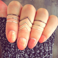 Silver Ombre Wire Adjustable Above Knuckle Chevron Ring Set- Light Silver, Silver, Gunmetal