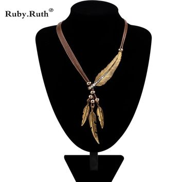 Gorgeous Feather Charm Necklace