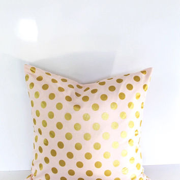16 or 18 inch throw pillow, Polka dots blush pink with metallic gold. Zipper. Glitz modern pattern, cotton. For indoor use. Polkadot rounds