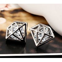 Personalized zircon earrings fashion superman earrings high - grade diamond earrings