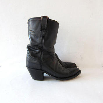 vintage leather cowboy boots. black leather boots. western boots. stacked heel boots. women's 7