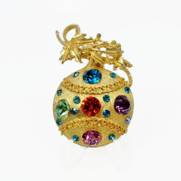 Vintage Christmas Brooch, Christmas Ornament, Holiday Jewelry, Rhinestone Brooch, Vintage Jewelry, Gold Tone, Christmas Rhinestone Pin