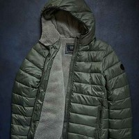 Globe North Point Puffer Jacket