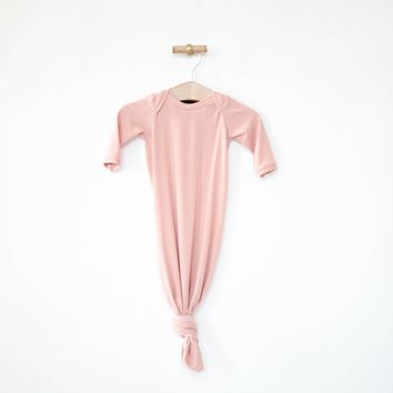 Knotted Sleeper in Blush
