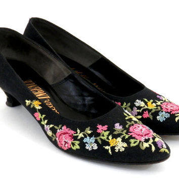 Vintage Petit Point Pumps J Miller Ingenue Black Ladies Shoes with Floral Embroidery