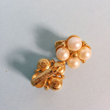 Vintage Sarah Coventry Pearl Clip On Earrings Gold Tone