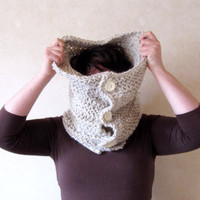 Oversized Cowl Organic Wool Handknit Beige Chunky Rustic Fashion Trends Soldeshiver Wintersales