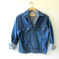 70s blue jean jacket. denim jacket. distressed worn in jacket