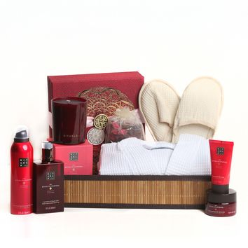Luxury Women's Spa Package- Featuring Ritual of Ayurveda Gift Set