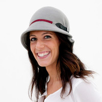 Doune - Grey Cloche Hat with detail of black buckle and dark red grosgrain ribbon
