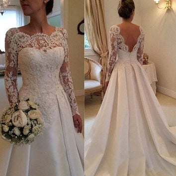 2015 New Fashion Plus Size Sexy Backless Bride White Lace Embroidery elegant Long Sleeve Muslim Wedding Dresses = 1929572932